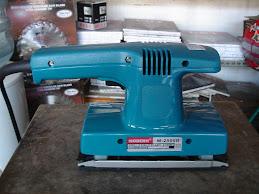 mesin amplas (sander)