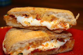 sun dried tomato pesto and mozzarella panini recipe for lunch ideas! ohsweetbasil.com
