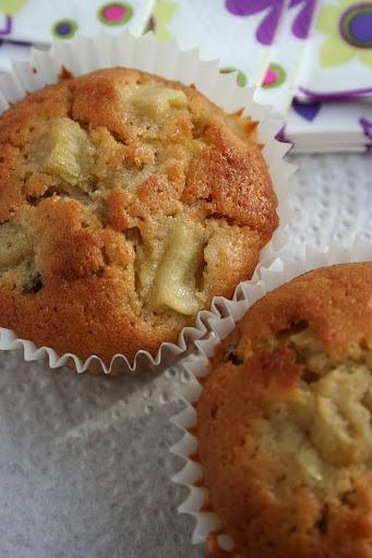 Muffiny z rabarbarem, marcepanem i amaretto