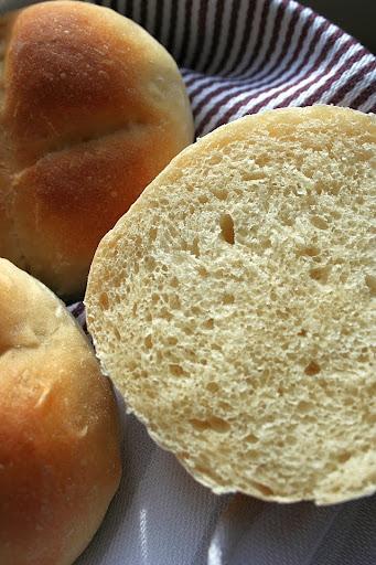 Petit pains au lait czyli francuskie bułeczki mleczne