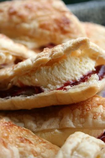 Flaky cream puffs czyli trójkąty z bitą śmietaną