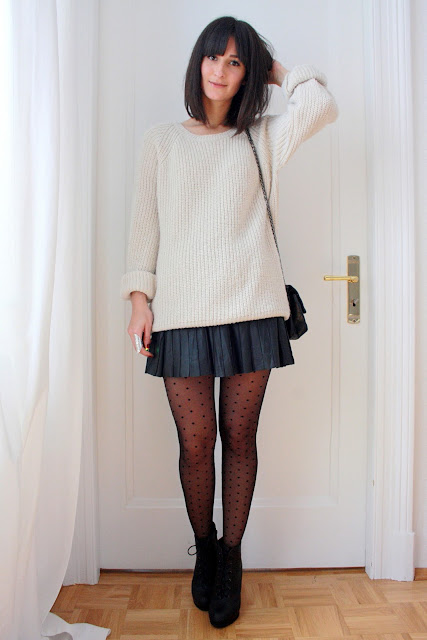 steet style 0233 pleated leather skirt dotted tights