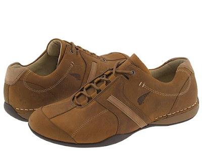 Giày màu nâu rám nắng
