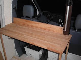 Am nagement d 39 un fourgon mercedes sprinter 208d le meuble for Evier cuisine 120x50