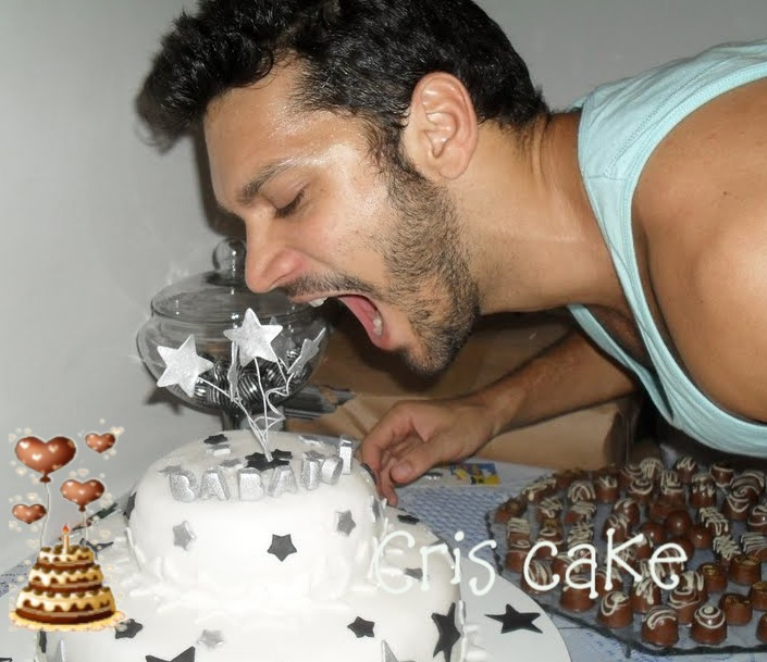 http://4.bp.blogspot.com/_WQ74dX0EcWA/TGyG4Bt9AlI/AAAAAAAAAZY/55hrpFVzH2I/s1600/cake+7.JPG