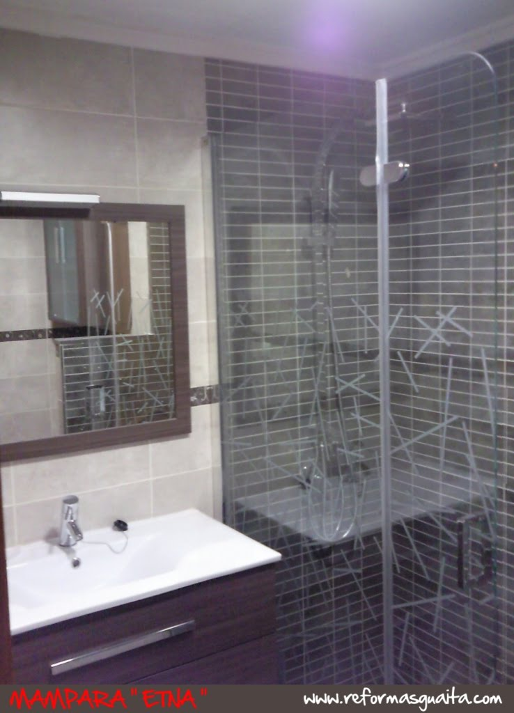 Azulejos Baño Grises:conjunto+baño+con+ducha+espejo+mampara+azulejo+gris+obrajpg