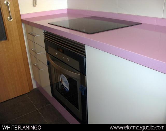cocina blanca rosa