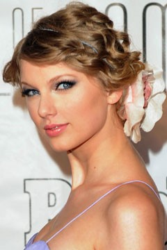 Taylor Swift Natural Hair, Long Hairstyle 2011, Hairstyle 2011, New Long Hairstyle 2011, Celebrity Long Hairstyles 2041