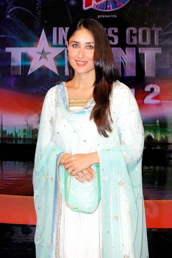 Kareena Kapoor Kameez Shalwar Photos on The Sets of India Got Talent