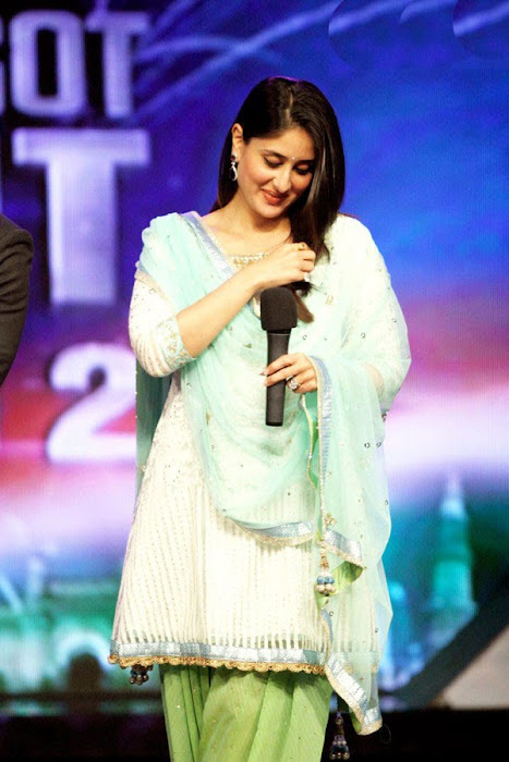 kareena kapoor on the sets of india got talent latest photos