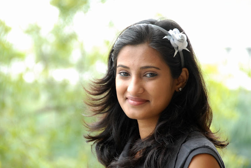 Actress Sowmya Photo Shoot Stills Photoshoot images