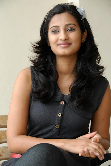 sowmya shoot latest photos