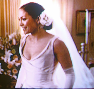 Can Anyone Find A Picture Of Jennifer Lopez 39 S Wedding Dress And Hair Styl