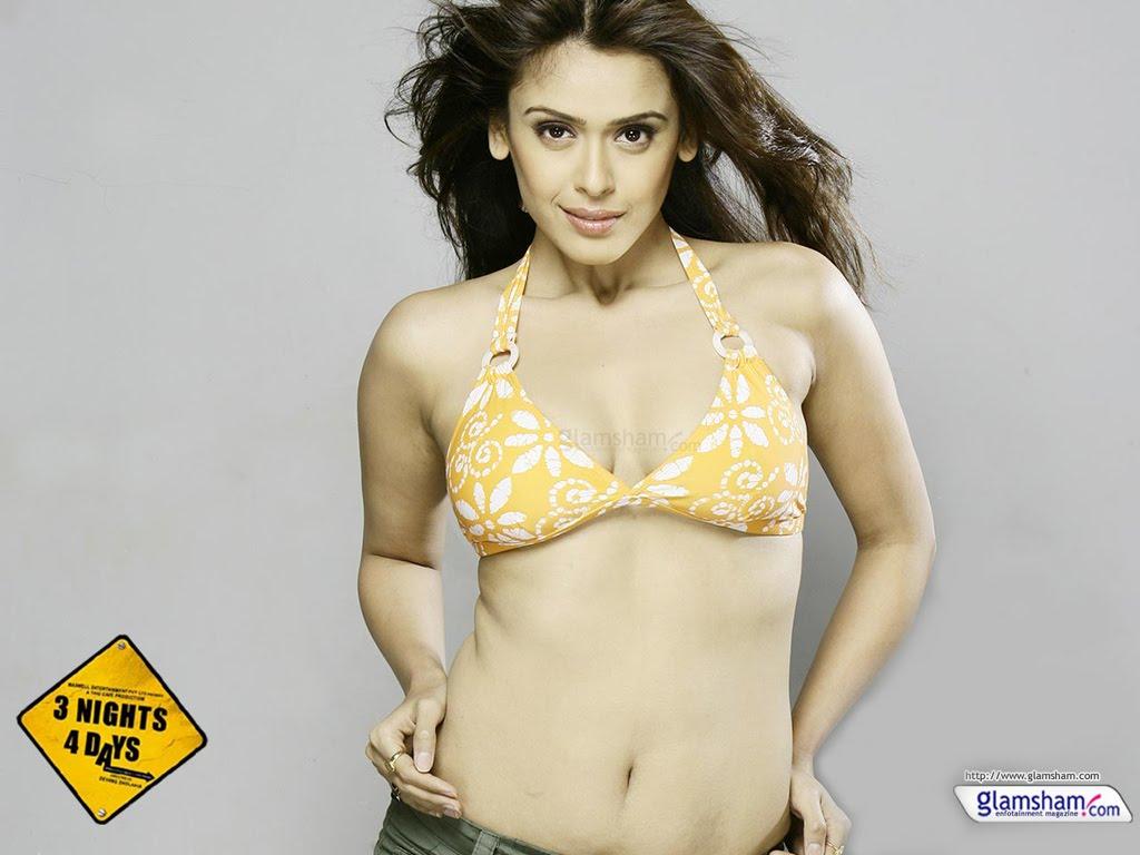 Hrishita Bhatt - Photo Colection