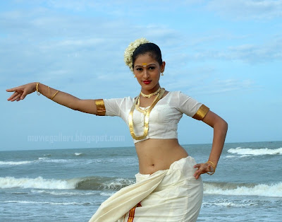 HOT ACTRESS  SAMYOGITHA PICTURES
