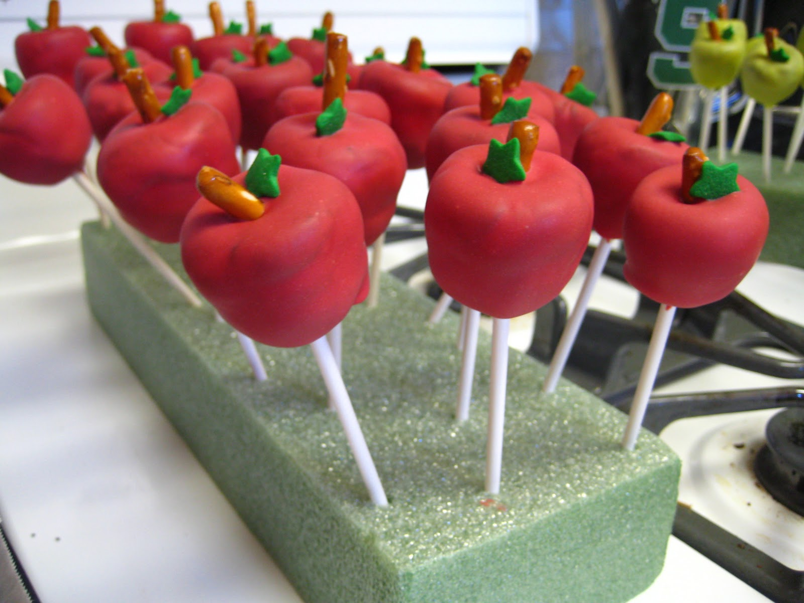 how to make football shaped cake pops