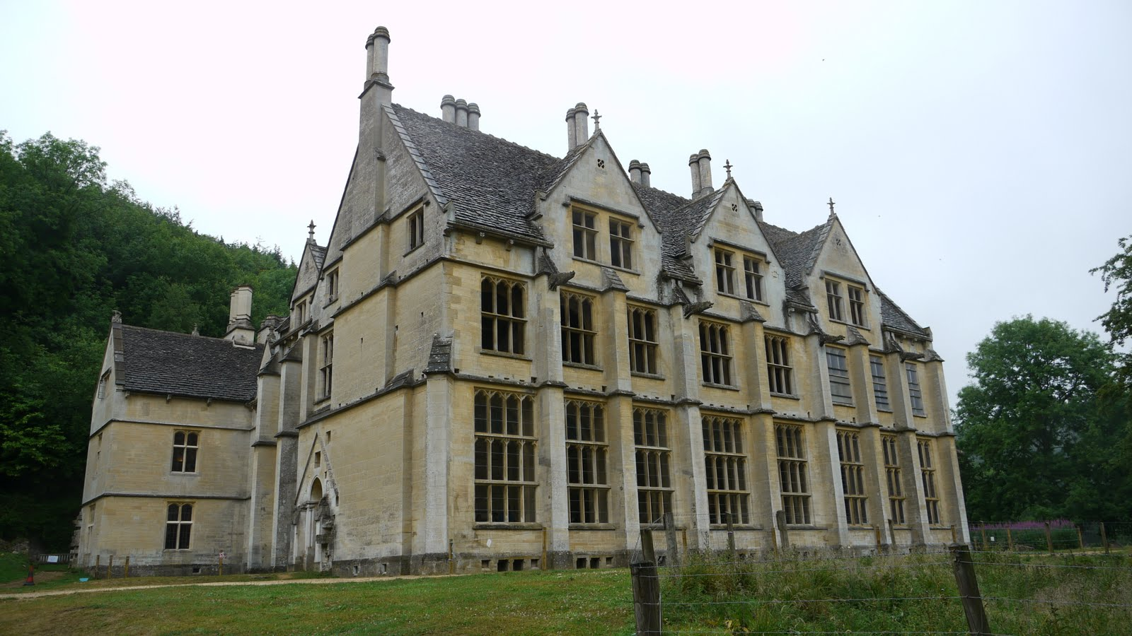 Old Abandoned Mansions for Sale http://devonvisitor.blogspot.com/2010/12/woodchester-park.html