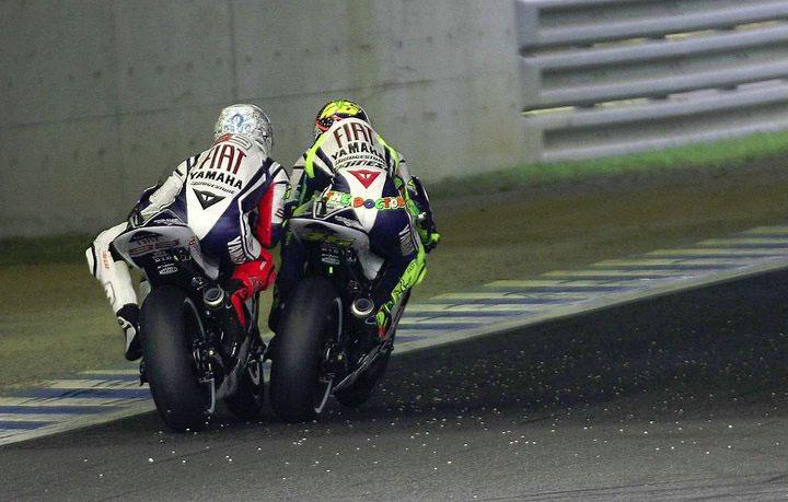 KB BiKeRZ: Valentino Rossi Vs Jorge Lorenzo at Motegi