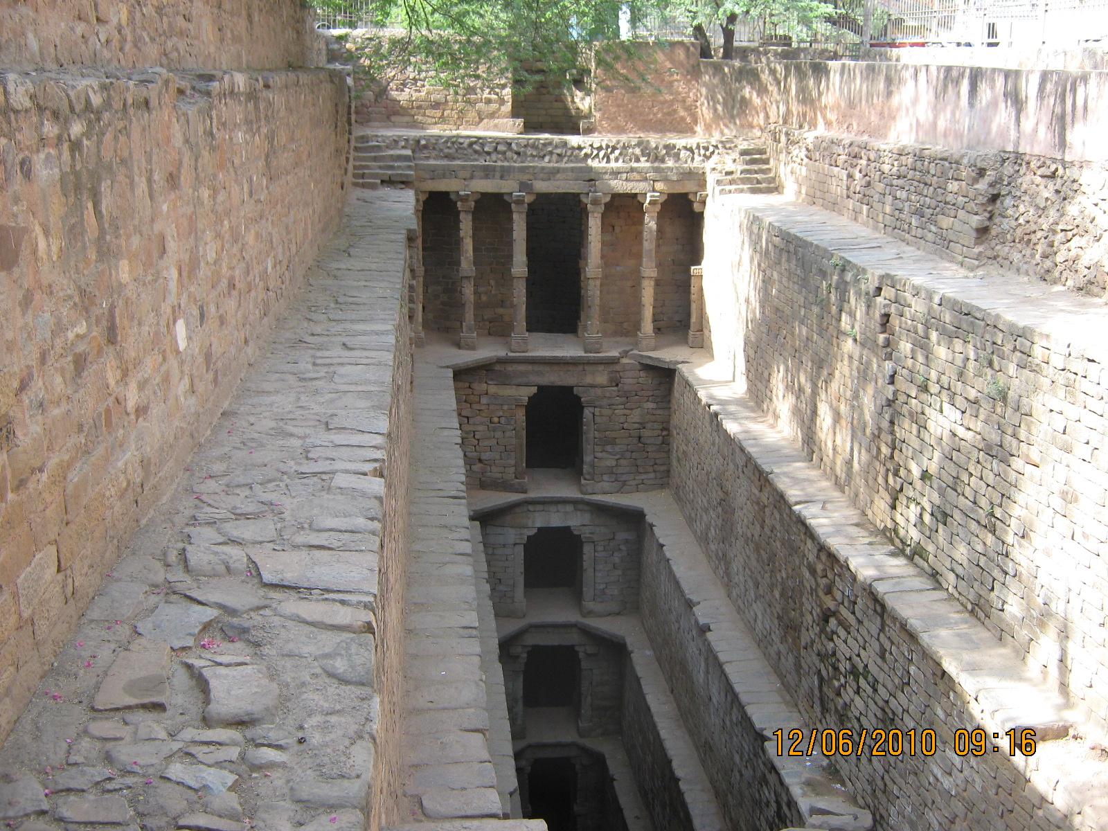Hazrat Bakhtiyar Kaki's Dargah, Mehrauli, New Delhi