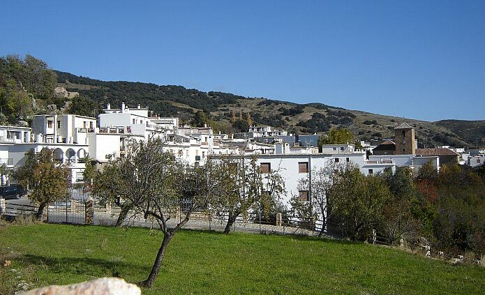 View of our picturesque neighbouring village Juviles - foto: casa rural El Paraje