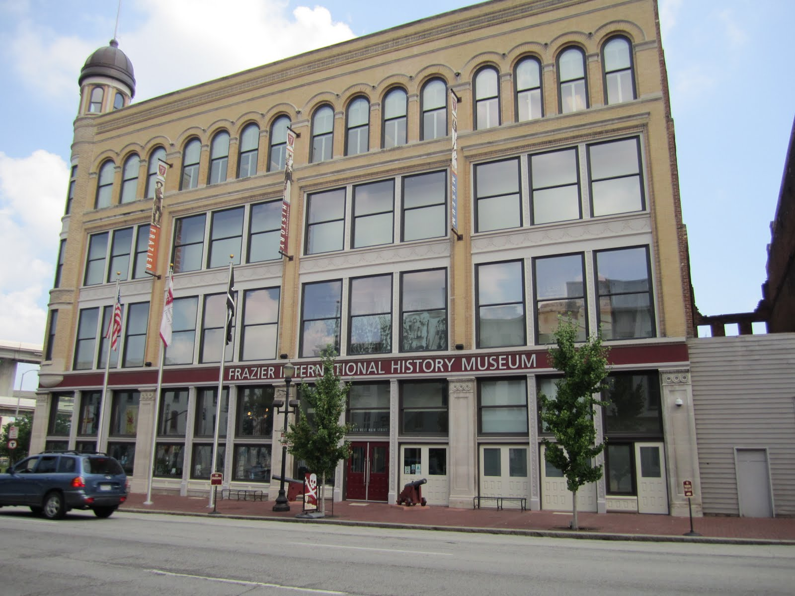 McGees Adventures: FRAZIER MUSEUM