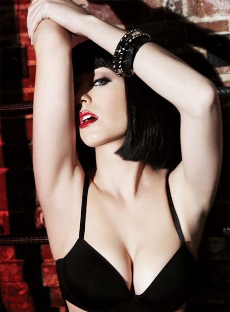 http://4.bp.blogspot.com/_WeSIgb3s6mU/TBpAy1godAI/AAAAAAAAAoo/-bZxCwh024k/s1600/katy-perry-sexy-for-complex-magazine.jpg