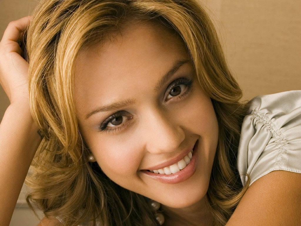 http://4.bp.blogspot.com/_WeUuCrEG_oE/TRKvNZ8OZdI/AAAAAAAACyI/S0a3yFvBl28/s1600/Jessica-Alba.jpg
