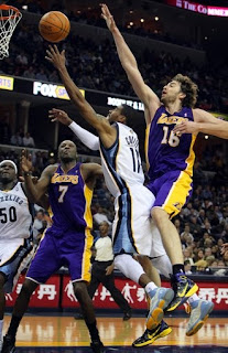 In The Game - Memphis Grizzlies vs L.A Lakers 11.28.2010