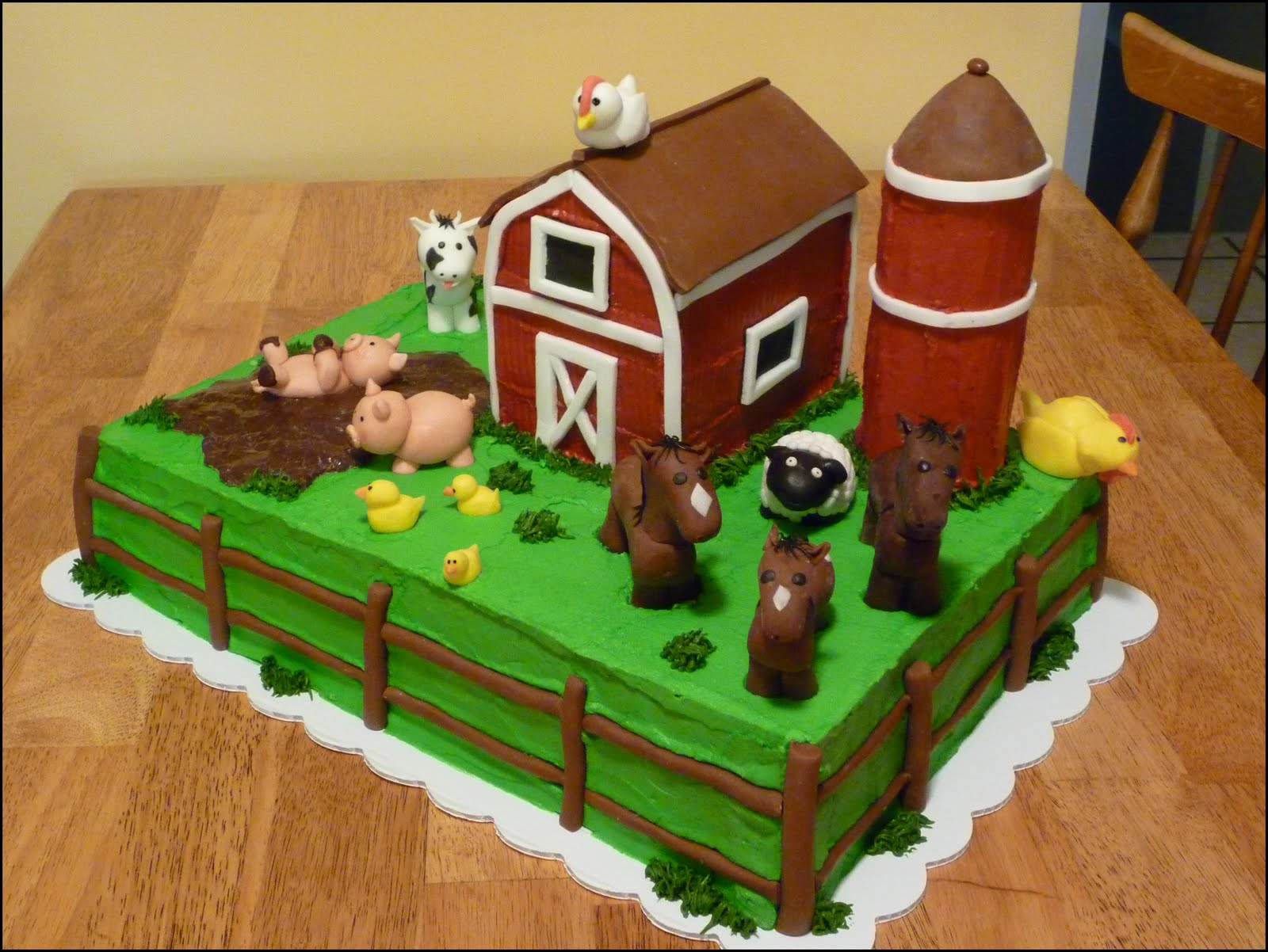 Barn cake on pinterest farm cake horse cake and cakes for Animals decoration