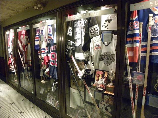 Wayne Gretzky Restaurant Toronto