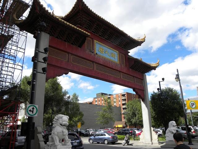 Lively Chinatown Montréal