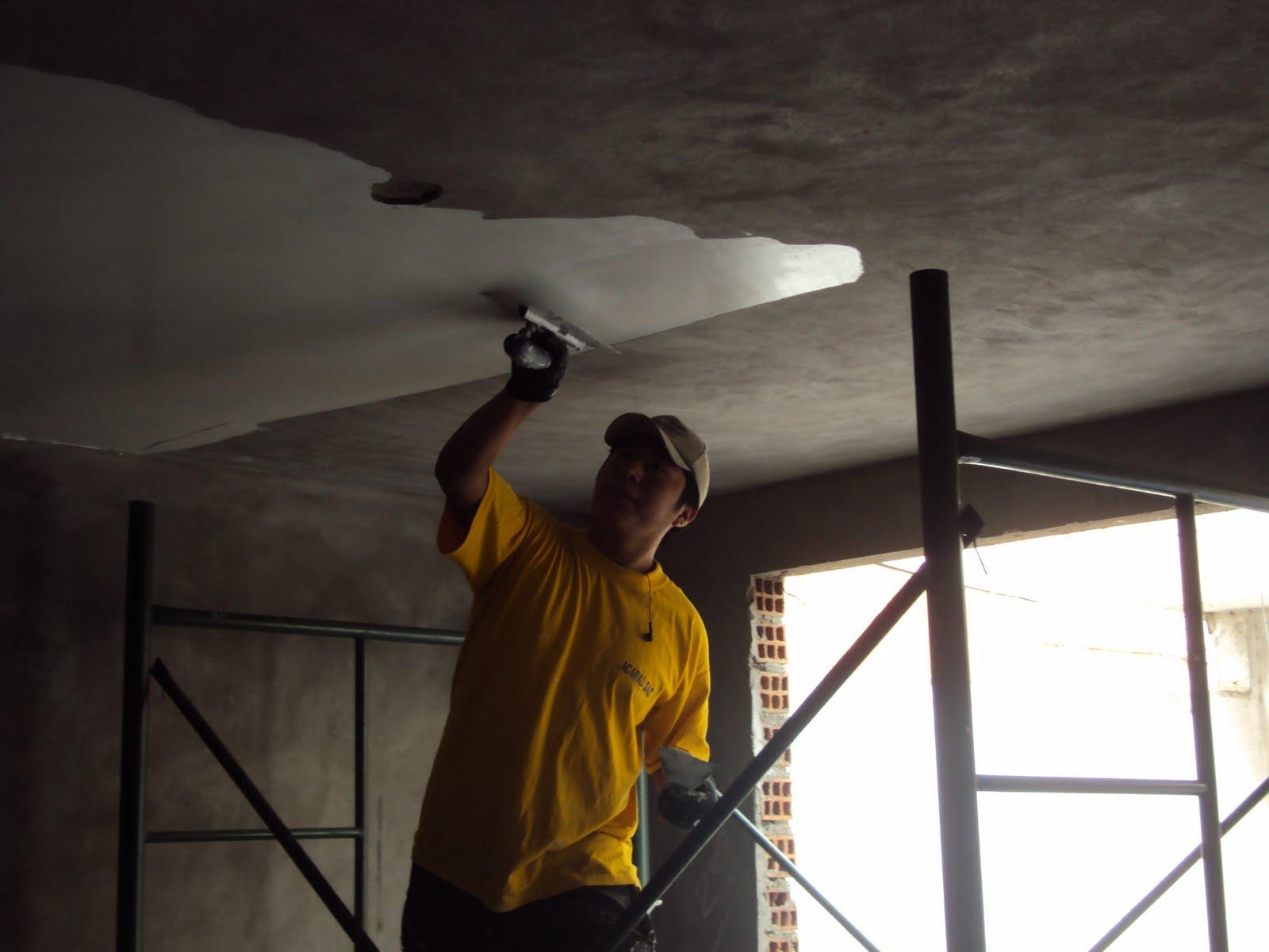 Pintandoelperu formas de empastar un techo for Techos con formas
