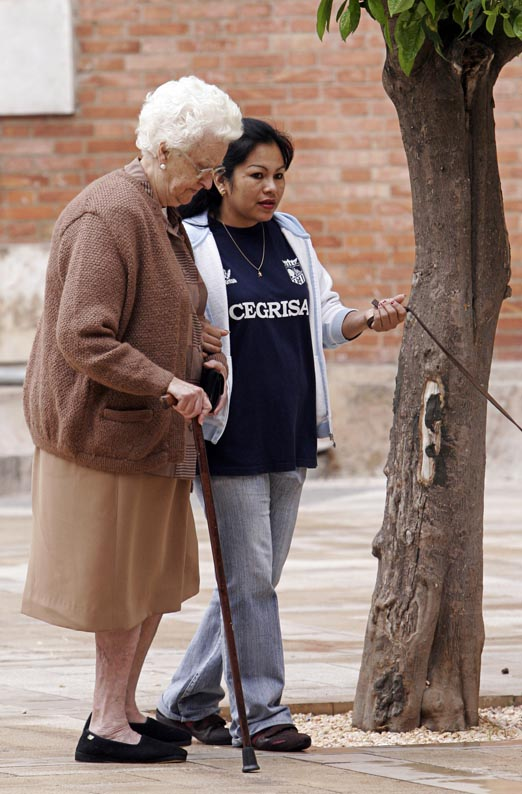 [Ancianos-inmigrante.jpg]