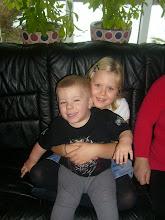 Mina två yngsta barnbarn