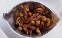 Dix bonnes excuses de manger des noix...