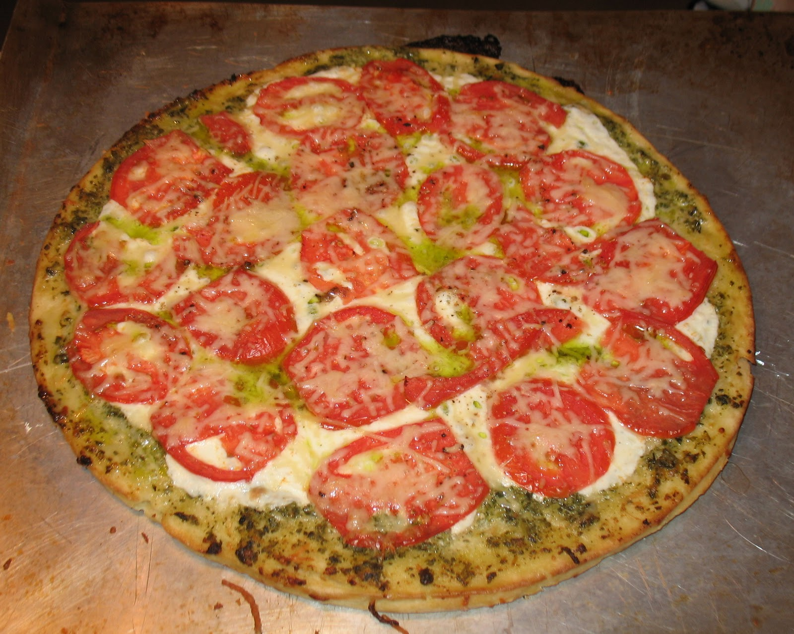 tomatoes french bread pizza with pesto sun dried tomatoes pesto pizza ...