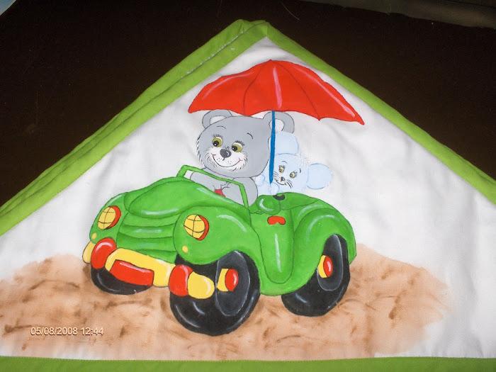 urso e rato no carro
