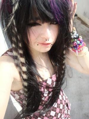 http://4.bp.blogspot.com/_WmfnL79SyIE/S3P_vET21bI/AAAAAAAAByo/NfIEFQAdGp4/s400/emo-fashion.jpg