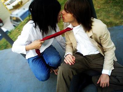 emo love kissing. emo love kiss. emo love