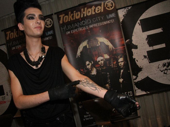 I'm not gonna go blab all about Tokio Hotel's art of tattoos