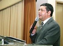 Ministrando estudo bíblico