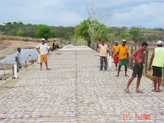 Empleiteira gerenciada pelo o construtor Zé Azevedo mostra qualidade e deixa renda na comunidade