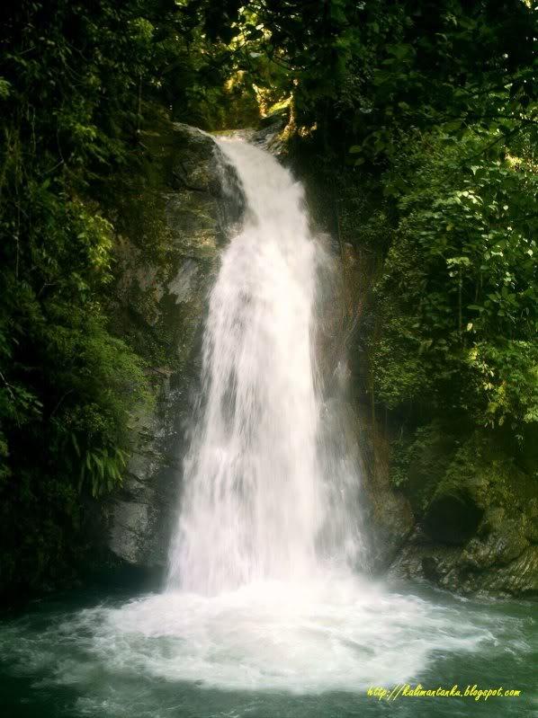 haratai_waterfall.jpg