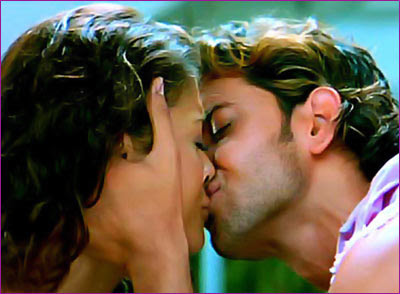 Aishwarya Rai and Hrithik Roshan  hot kiss
