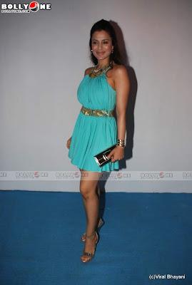 Amisha Patel Sizzles at HDIL Fashion Show