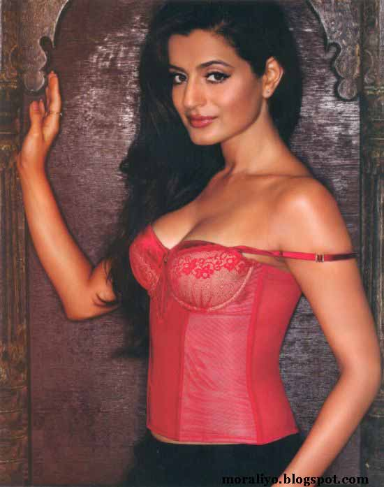 ... Model,Celibrity,Babes,Bollywood Heroin,Pict: Amisha Patel Sexi Picture