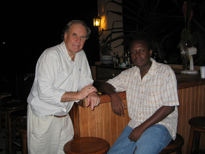 Paul Kendrick et Cyrus Sibert after the earthquake in Haiti