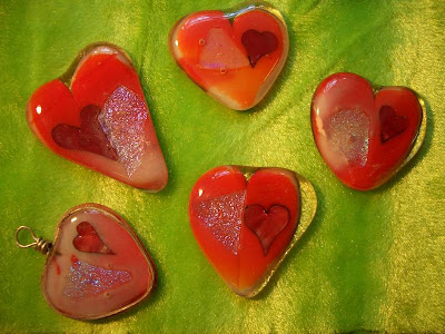 Cetta cheese chatter playing with glass and other new artuhu including a bullseye clear glass that i topped each heart with same coe as the wasser then i put it in the kiln this is how they turned out thecheapjerseys Images