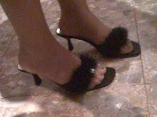 mis sandalias de estar en casa con plumon y brillantes