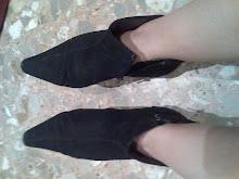 botines viejos ante negro